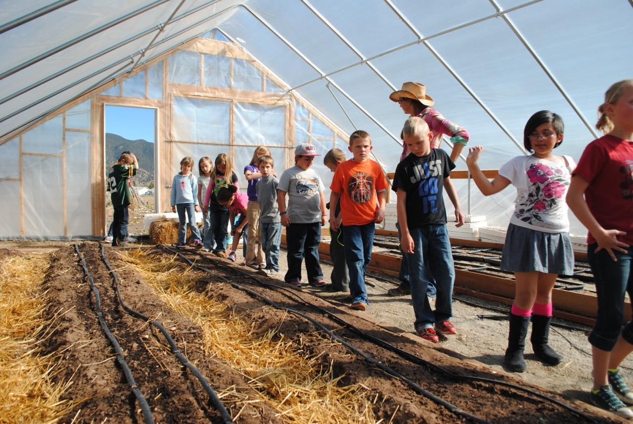 Students visit the Salida School Gardens. Source: Guidestonecolorado.org